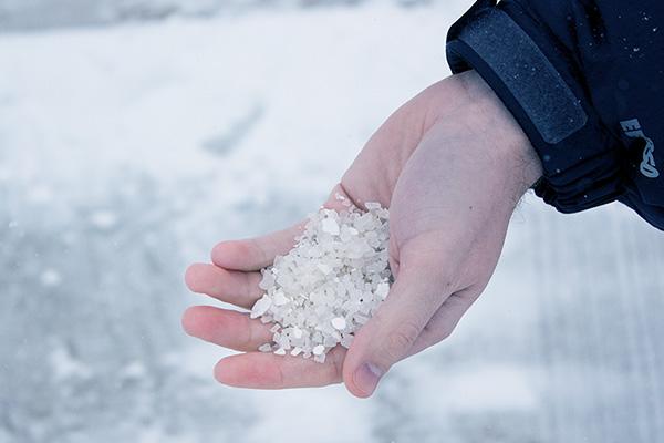 salt to dissolve ice